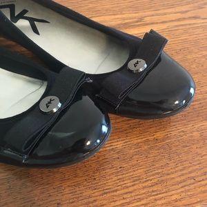GUC Sz 9.5 Ann Klein Sport Black Flat